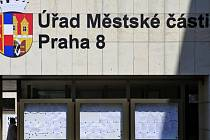 Úřad městské části Praha 8. Ilustrační foto.