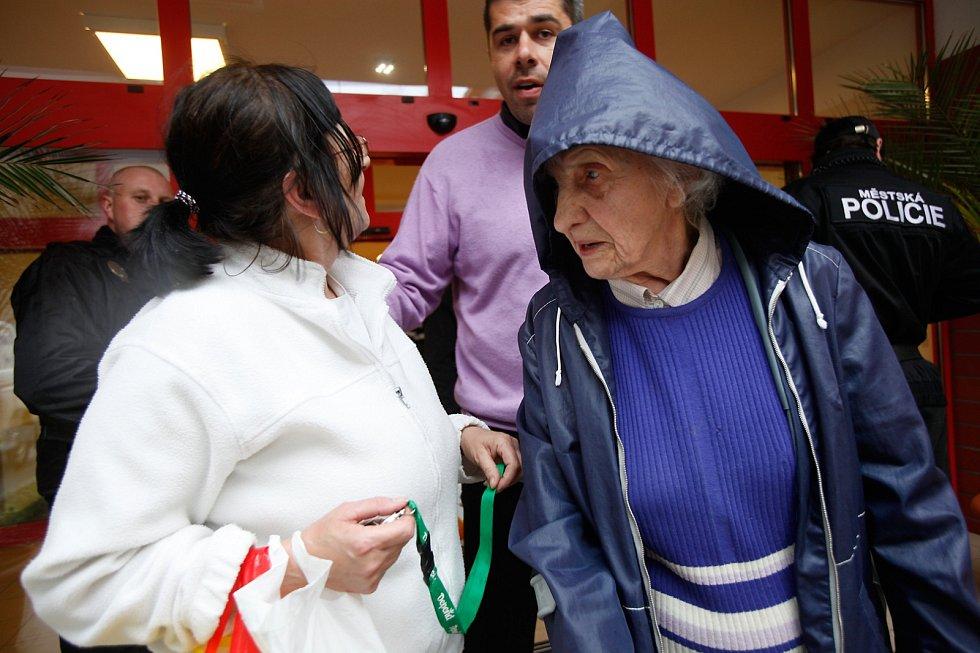 Potok Botič vyhnal seniory z domu sociálních a zdravotních služeb