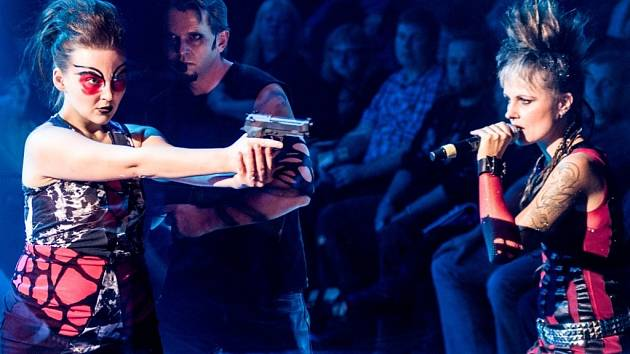 Představení Antigona v pražském divadle RockOpera.