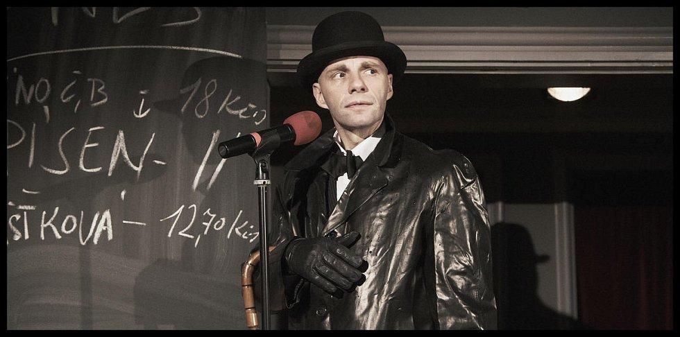 Divadlo V Dlouhé v neděli uvádí online koncertní verzi Kabaretu Kainar – Kainar, pod názvem Pár dobrejch fláků