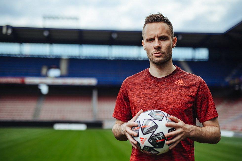 Dánský fotbalista Casper Höjer se stal druhou letní posilou Sparty Praha.