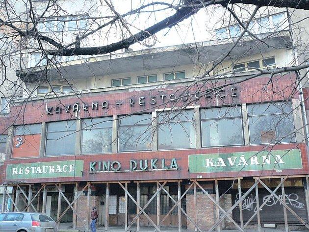 Bývalé společenské a kulturní centrum Libně.