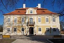 Památník národního útlaku a odboje v Panenských Břežanech.