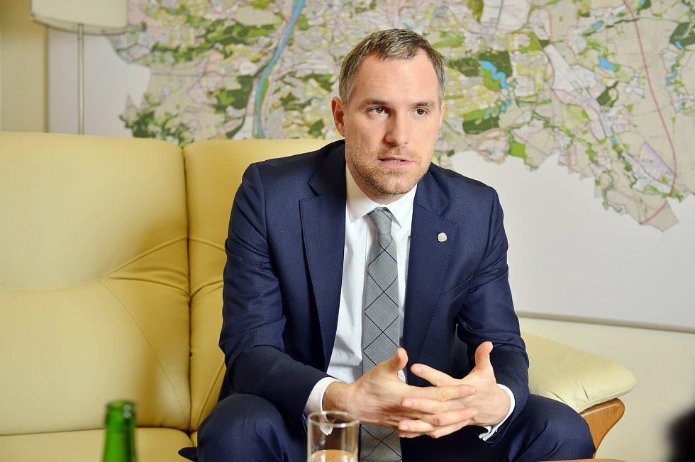 Pražský primátor Zdeněk Hřib poskytl 3. prosince 2019 rozhovor Deníku.