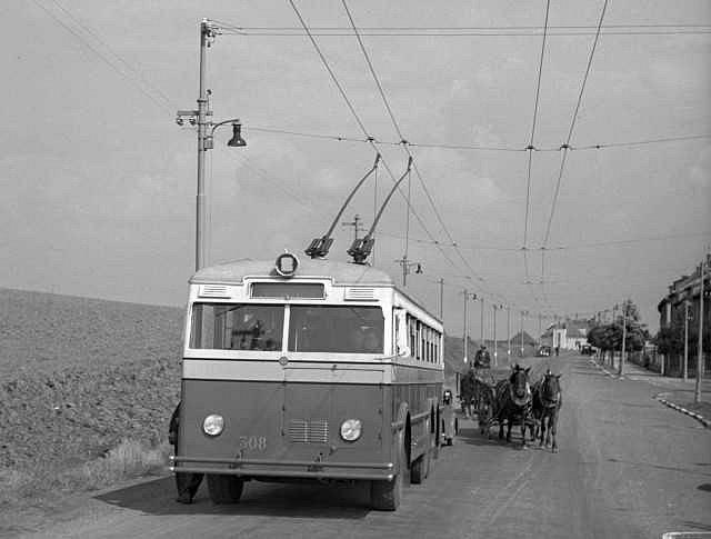 Zkouška jízdy trolejbusu mezi Smíchovem a Jinonicemi ze 14. 9. 1939.