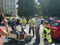 Při akci Smajlík kontrolují řidiče s policisty děti ze základních škol v Praze 4.
