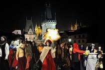 Průvod pražských strašidel patří již k tradicím předvečera Památky zesnulých.