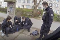 Zadržení muže podezřelého z krádeže.