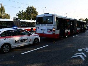 Nehoda autobusu ve Střešovicích