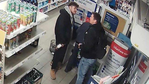 Napadení v obchodě s potravinami v Praze