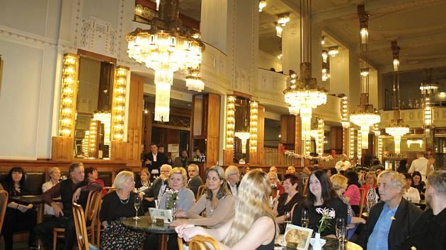 Koncert a aukce pro slunce v Obecním domě v Praze