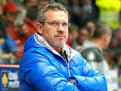 Trenér HC Slavia Praha Milan Razým.