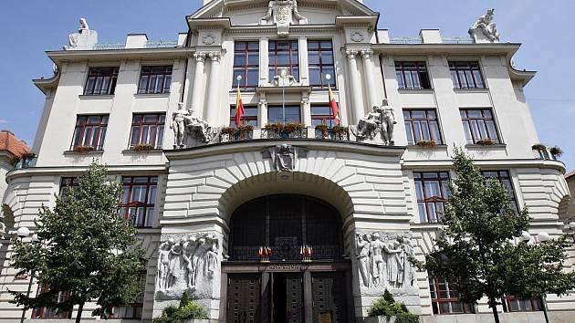 Budova Magistrátu hlavního města Prahy na Mariánském náměstí.