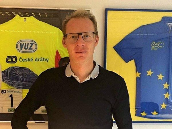 Cyklistický závodník a předseda cyklistické komise rady hlavního města Stanislav Kozubek.