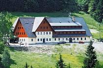 Myšlenky na výjezdní zasedání zastupitelů v horském hotelu Alpina ve Špindlerově Mlýně se ale smíchovská radnice nevzdává.