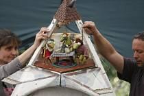 Buchty a loutky předvedly v Havlíčkových sadech Žabáka Valentýna.