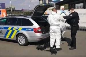 Policie hledala na hlavním nádraží a jeho okolí muže, který hrozil bombou.