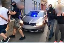 Organizovaná skupina kradla v obchodních domech v Praze i v Německu. Členové gangu skončili v poutech.