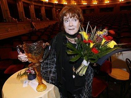 Zvláštní cenu kolegia za rok 2007 si odnesla Vlasta Chramostová.