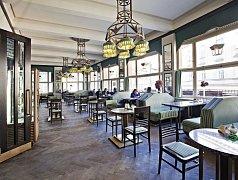 Kubistická kavárna Grand Café Orient.