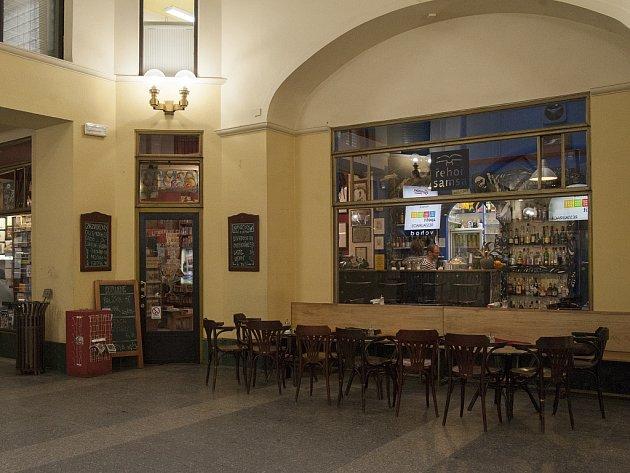 Knihkupectví a kavárna Řehoře Samsy