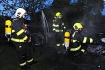 Požár chatky.