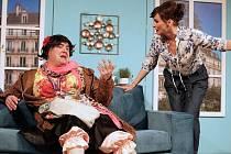 Divadlo Kalich dnes večer uvádí komedii Osm eur na hodinu.