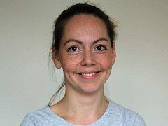 Veronika B. Milotová pracuje jako látková poradkyně Bamboolik v Praze a okolí. Pořádá kurzy a přednášky o látkových plenách a zdravém přebalování.