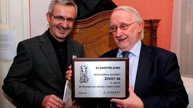 Jan Lorman (vpravo) je také předsedou občanského sdružení Život90