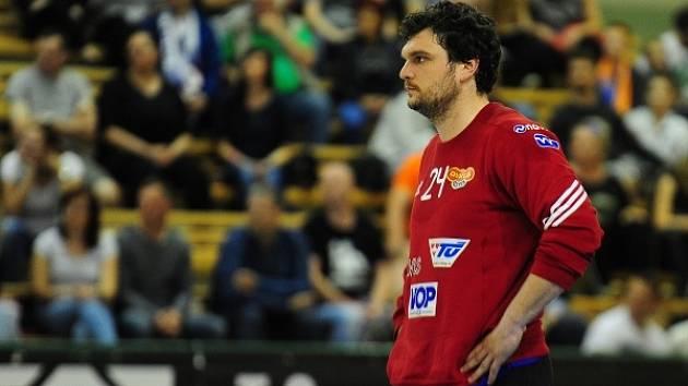 Házenkáře Dukly povede v sérii proti Jičínu zkušený gólman Tomáš Petržala.