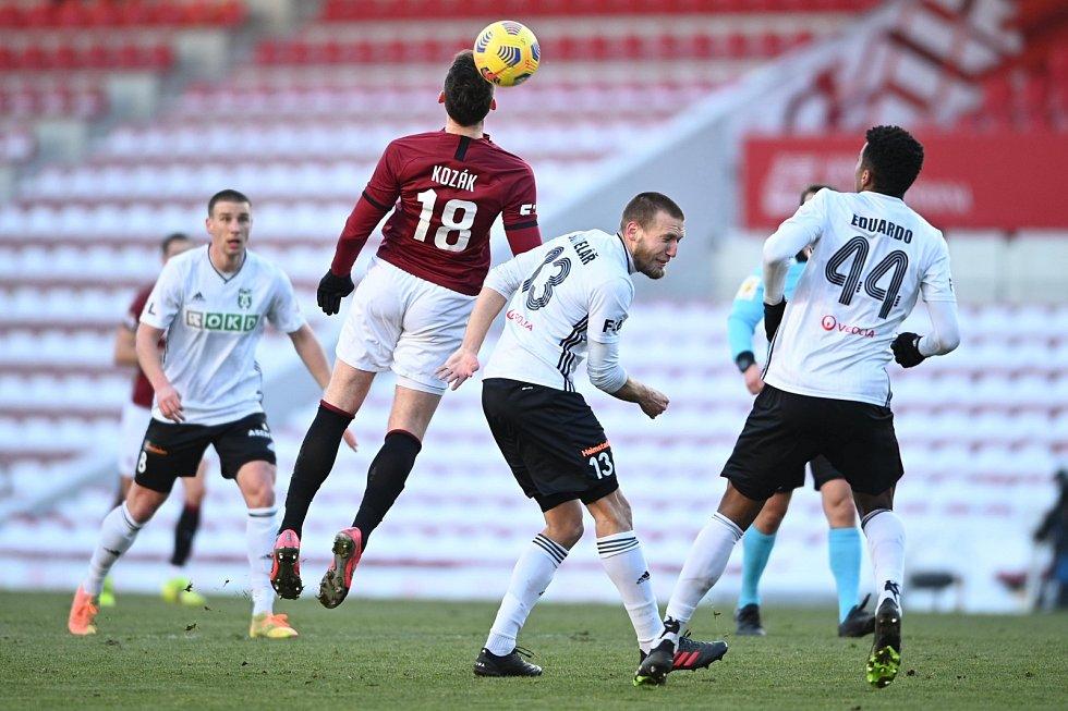 Momentka z utkání fotbalové FORTUNA:LIGY mezi Spartou a Karvinou.
