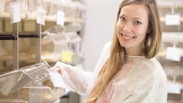 Postgraduální studentka 1. lékařské fakulty Univerzity Karlovy MUDr. Jana Mattová získala v korejském Soulu ocenění za výzkum, který se zabývá novými možnosti léčby Wilsonovy nemoci.
