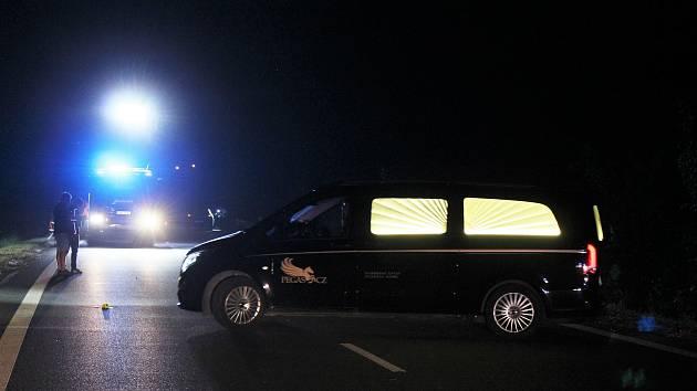 Tragická dopravní nehoda na silnici II/242 mezi Prahou a Roztoky.