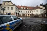 Bývalý squatt Šatovka 15. ledna 2019 preventivně hlídala policie.