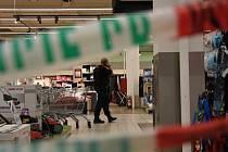 Zásah policie v obchodním centrum na Andělu