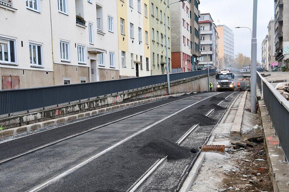 Dopravní podnik hl. m. Prahy (DPP) prodloužil tramvajovou trať až ke stanici metra Pankrác.