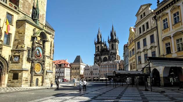 Karanténa vyprázdnila centrum metropole. Orloj a Staroměstské náměstí.