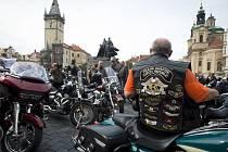 Sraz motocyklů Harley-Davidson.