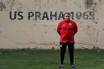 Exligista a několikanásobný střelec gólu v Lize mistrů Zdeněk Šenkeřík trénuje přeborový tým SK Uhelné sklady Praha, sám pak hraje okresní soutěž za Spartu Mratín.
