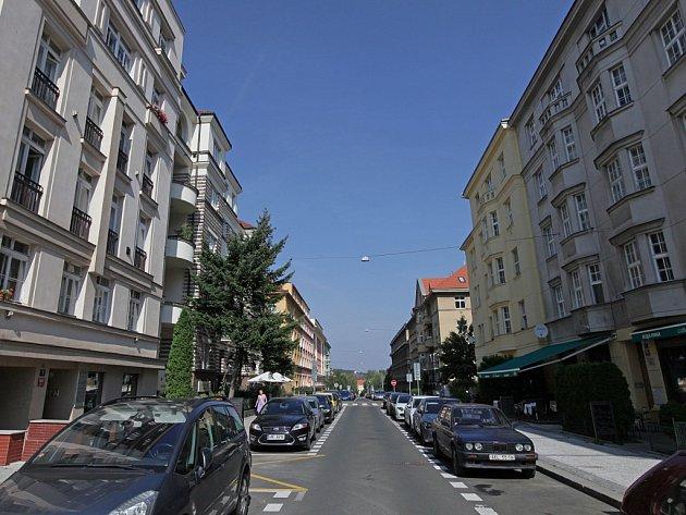 ulice Charlese de Gaulla.