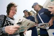 Středočeši rádi listují ve svých radničních listech. Nejčastěji je najdou ve svých poštovních schránkách nebo v informačním centru.