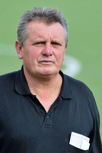 Trenér Zdeněk Hruška (Libuš).