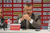 Z tiskové konference SK Slavia Praha. Na snímku Jaroslav Tvrdík
