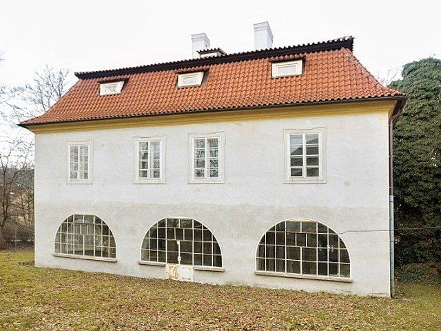 Werichova vila v pražském parku Kampa.