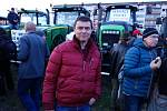Demonstraci na Letné 16. listopadu 2019 podpořili také sedláci, kteří přijeli do Prahy s traktory. Sedlák Václav Čtrnáctý.
