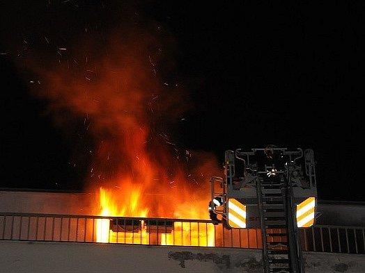 Požár bytu na Vinohradské třídě.