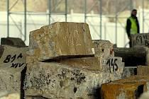 Kameny z Karlova mostu.
