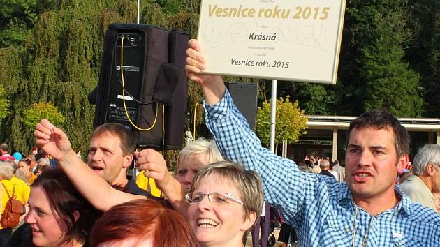Nositelem titulu Vesnice roku 2015 je obec Krásná z Karlovarského kraje.