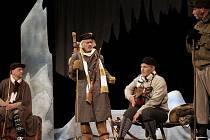 Veřejná generálka divadelní hry v anglickém jazyce The Conquest of the North Pole (Dobytí severního pólu). Žižkovské divadlo Járy Cimrmana.