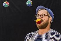 """Dětské vystoupení """"Pan Václav a kouzelný pytel"""" proběhlo 18. srpna v Praze v rámci festivalu Letní Letná."""
